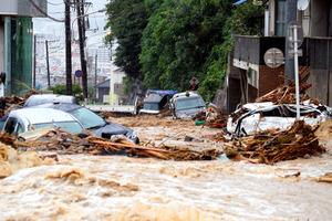 倉敷で大規模な浸水被害 屋根まで冠水している地域も