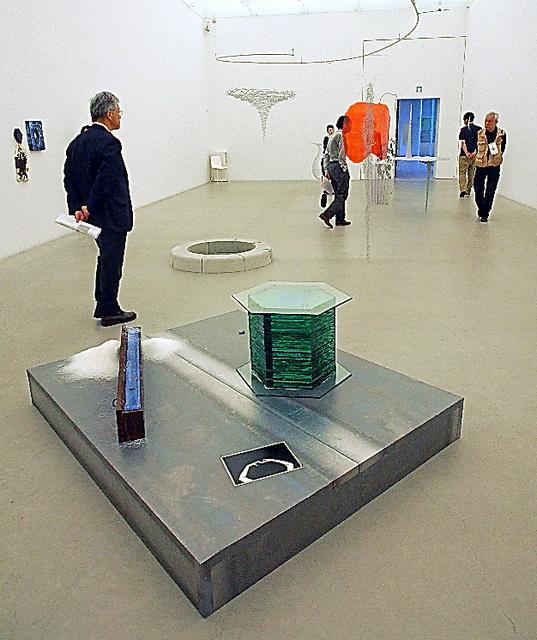 現代美術のいま、ルーツを探る 「起点としての80年代」展 金沢21 ...