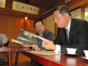 石破氏、「反軍演説」の斎藤記念...