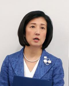 久美子氏、社長退任を拒否か 大...
