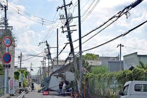台風21号、死者11人に 住宅300棟...