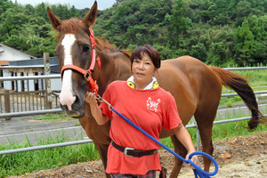 高知)競走馬たち第二の人生支援 土佐清水市の牧場