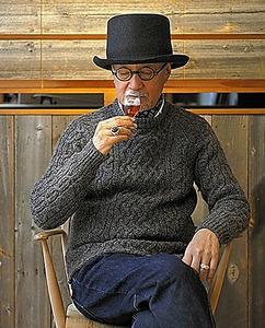 「癖の強いウイスキーが好き」。サントリーウイスキー「山崎」との協業でグラスをデザインしたことも=2014年、サントリーイエノバ提供