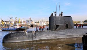 消息絶った潜水艦、約1年たち発...