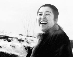 糸川昌成が最も好きな、母みゆき20代の笑顔の写真=糸川さん提供