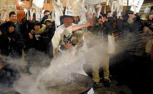 長野)熱湯はじく水の王 深山深夜の乱舞 飯田市の祭り