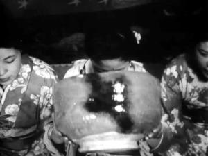 巨大な茶わん回し飲み 西大寺の大茶盛式、80年前の姿 [1940 ...