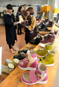 足の悩みにオリジナル整形靴 外反母趾や病気の悩みに:朝日新聞