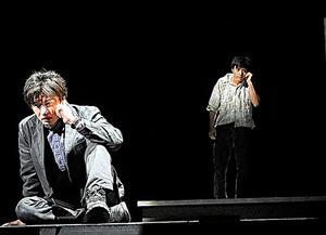 田中圭(左)、満島真之介=細野晋司氏撮影