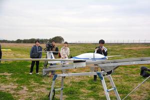 佐賀)携帯電話の通信網でドローン飛行 実験を公開