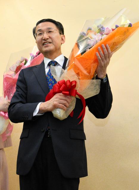 鳥取)平井氏が圧倒、4選:朝日...