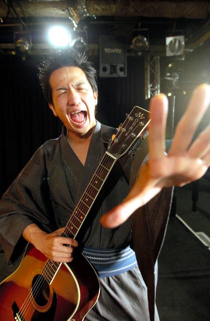 そんなの関係ねぇ・残念!!…新ネタ続々、平成のお笑い:朝日新聞デジタル