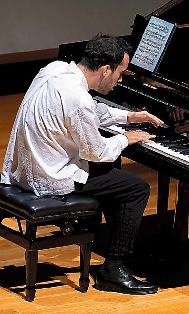 (評・音楽)イゴール・レヴィット 柔らかい音に潜む鋭い批判
