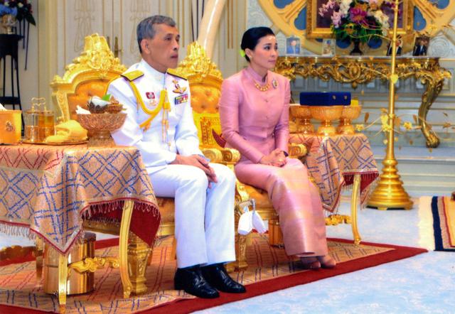 王妃 タイ 国王 タイ国王が配偶者の称号を剥奪!王妃とは違う人?側室や剥奪の理由は?