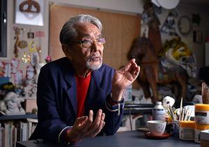 「山城さんは気取らない人で、自分の作品に僕のちょっとしたアイデアを採り入れてもくれました」=東京都港区、門間新弥撮影