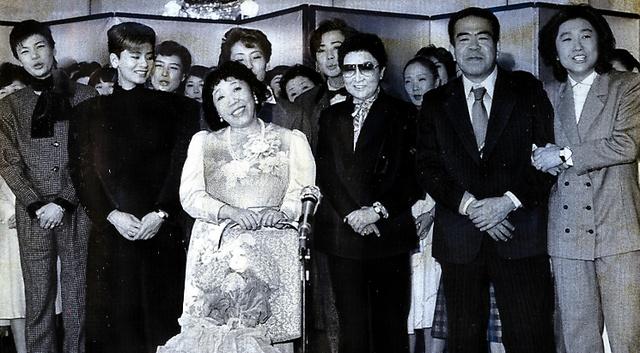 宝塚、愛し愛されたおせいさん 田辺聖子さん、幼い頃から縁:朝日新聞 ...