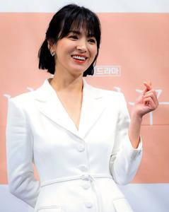 韓国俳優のソン・ジュンギさんとソン・ヘギョさん離婚へ