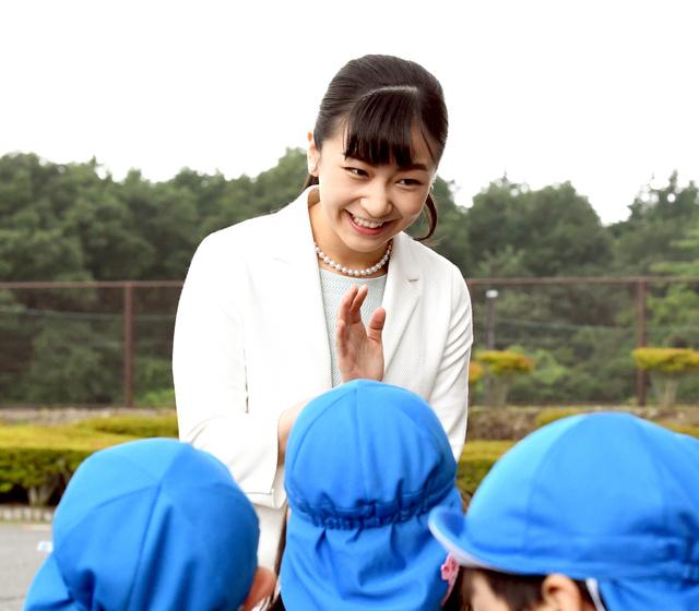 佳子さま、馬術大会に出席 近隣の園児と交流も:朝日新聞デジタル
