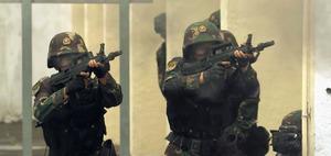 中国軍が鎮圧訓練ビデオを公表 香港デモを牽制か:朝日新聞デジタル
