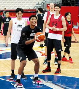 八村塁「僕らのバスケをする」 日本、きょうトルコ戦 - 一般スポーツ ...