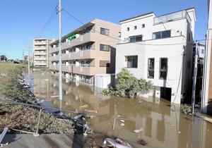 浸水したマンション1階で遺体発見 住人の60代男性か [台風19号 ...