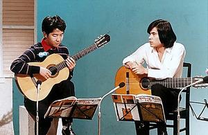 1974年からNHK「ギターをひこう」に出演。これまでベテラン講師が続いていたが、一気に若返り、番組への注目を広く集めることとなる