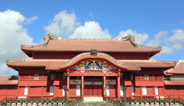 首里城火災「再度の復元、今は考えられぬ」 琉球大識者 , 沖縄