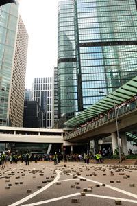 香港デモ、大学への警察介入強化 学生ら287人を拘束:朝日新聞デジタル