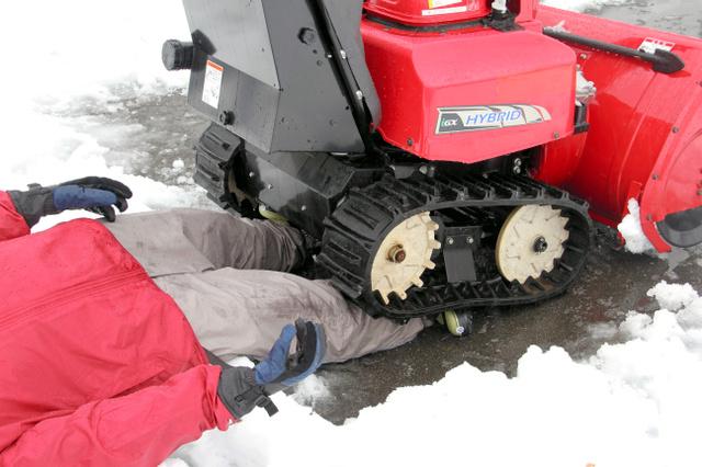 除雪機の事故に注意 昨冬54件、ひかれて死亡も:朝日新聞デジタル