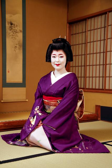 祇園の芸妓、聖火ラン 着物は?髪は?「らしい姿で」
