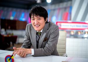 コロナ禍で他者に否定的になったり、非難したりする人が多いように感じる。「こういう時こそ、ただただ笑ってもらえる番組を作りたい」=東京都港区、篠田英美撮影