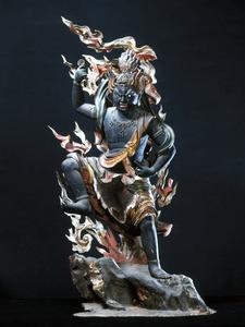 木造蔵王権現立像=奈良県吉野町、如意輪寺提供