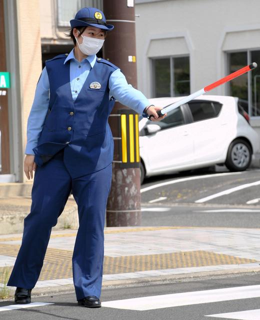 県警、マタニティー制服導入 「活躍の場広がる」 島根:朝日新聞デジタル