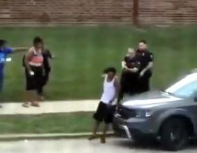【アメリカ】米警官、黒人男性を背後から銃撃か 動画がSNSで拡散