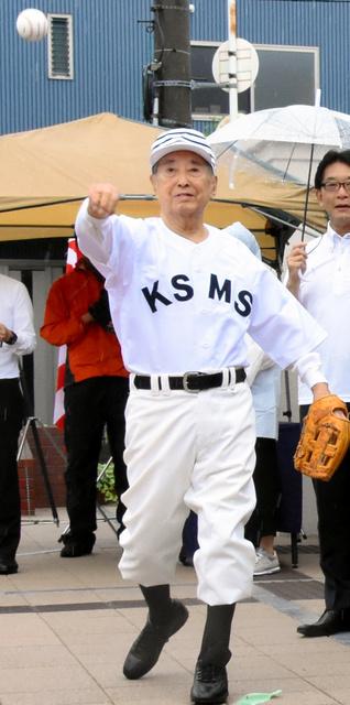 黒田脩さん死去、91歳 夏の大会で戦後最初のバッター