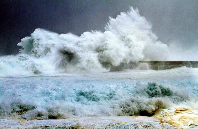 さ 高 鹿児島 の 波