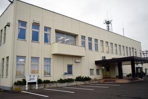「核のごみ」最終処分場選定の応募検討について寿都町議会で議論が交わされた=2020年9月14日午後、北海道寿都町役場
