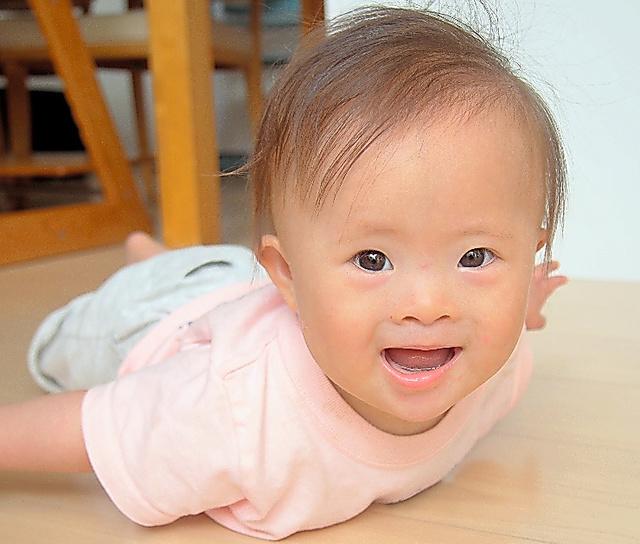 成長するにつれ豊かな表情を見せてくれる溝上敦子さんの三女=溝上さん提供