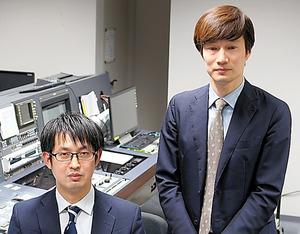 砂沢智史さん(左)と五百旗頭幸男さん=富山市のチューリップテレビ、桜井泉撮影