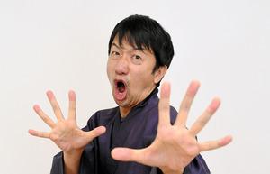 お笑い芸人の波田陽区さん=長沢幹城撮影