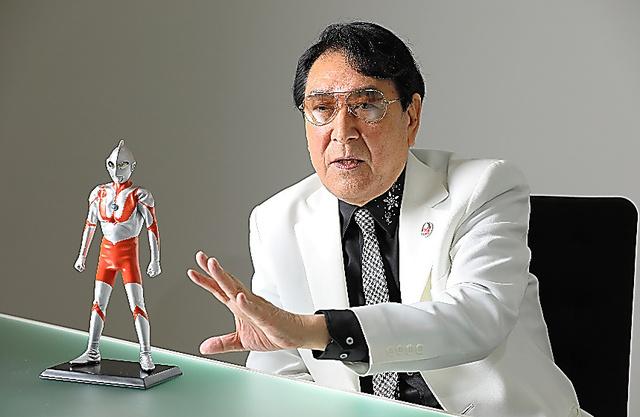 「ウルトラマンは強いだけでは駄目。優しくなければいけないんです」と語る古谷敏さん=東京・渋谷の円谷プロダクション
