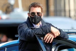 2020年10月13日、ローマでスパイ映画「ミッション:インポッシブル7」の撮影をする俳優のトム・クルーズさん=ロイター