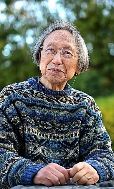 半藤一利さんをしのび、「『万葉集を全部暗記しているお化けがいるから、卒論に選ばなかった』なんて言っていましたが、彼の冗談です」=京都市西京区、滝沢美穂子撮影