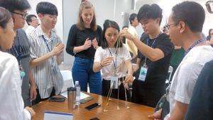 琉球大学工学部「グローバルエンジニアプログラム」の1期生らが台湾での国際インターンシップに参加した際の様子(2019年8月、琉球大学提供)