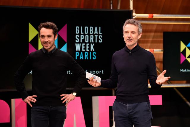 2月3日、パリのスタジオで話をするグローバル・スポーツ・ウィーク会長のルシアン・ボワイエ氏(右)=GSW提供/Jean-Marie Hervio / KMSP