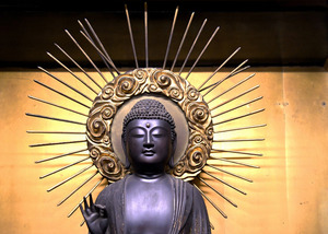 大行寺の快慶作阿弥陀如来立像=2021年2月25日午後、京都市下京区、筋野健太撮影