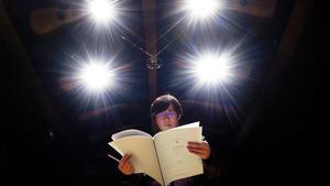 コンサートのリハーサルに臨む作曲家の和田薫さん=2020年12月20日、東京都渋谷区、池田良撮影