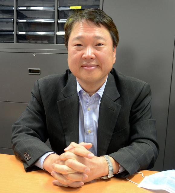 インタビューに応じる森下竜一・大阪大寄付講座教授=大阪府吹田市
