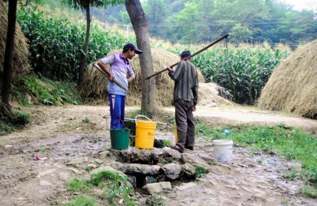 中国・甘粛省の農村の様子=2010年8月、田原史起教授提供