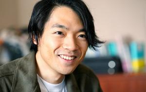 伊沢拓司(いざわ・たくし)さん 1994年、茨城県生まれ。開成高2年時に「全国高等学校クイズ選手権」で番組初の個人2連覇。13年、東京大学入学。16年にウェブサイト「QuizKnock」を立ち上げ19年、同大大学院を中退し同名の株式会社を設立=恵原弘太郎撮影
